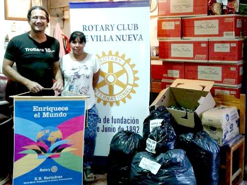 Rotary entregó alimentos donados por Walmart