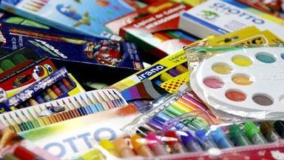 Recolectan útiles escolares para niños y adolescentes carenciados
