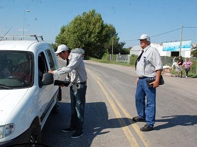 Agentes municipales venden bonos para el Hospital de Villa Nueva
