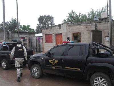 Mujer detenida por tenencia de marihuana en la calera for Interior y policia porte y tenencia