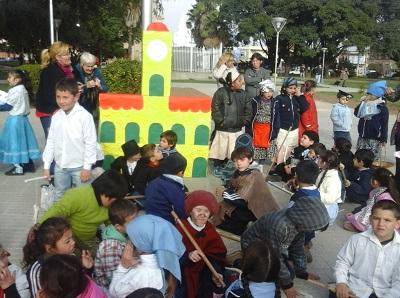 acto villa nueva 25 de mayo plaza