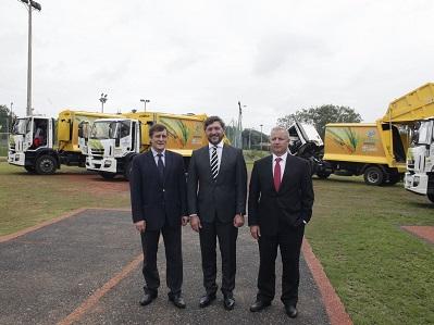 Cotreco presentó la flota de camiones nuevos en Paraguay
