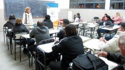 El profesorado en Educación Tecnológica, gratis en el Leibnitz
