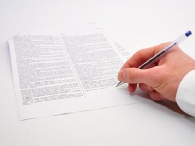 Los cambios en los servicios deben notificarse en formato papel