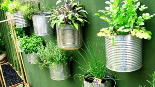 5 ideas para hacer macetas recicladas para tu jardín
