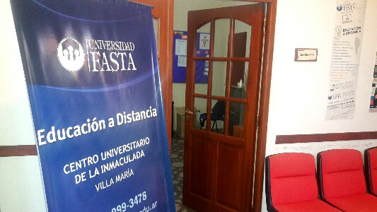 Universidad Fasta suma carreras para cursar online