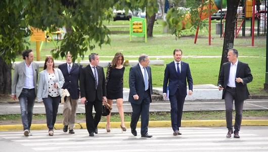 """Por el Decreto de Macri, Gill reunió al Gabinete y pidió """"atender lo prioritario"""""""