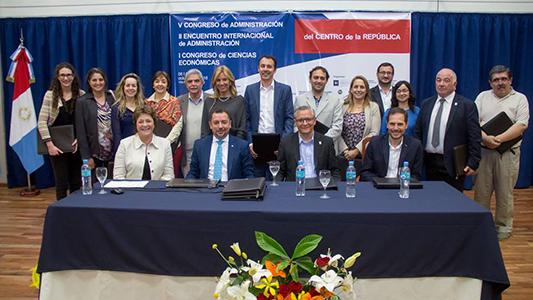 UNVM firmó convenio con Unesco por responsabilidad social