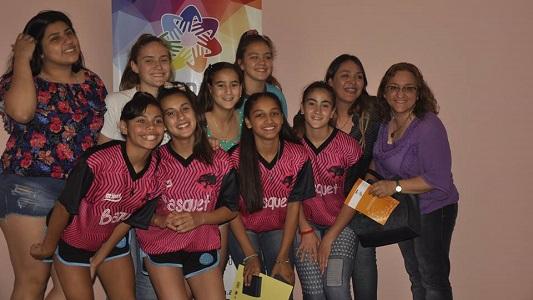 Cooperativa distinguió a alumnos y deportistas de Tio Pujio y zona