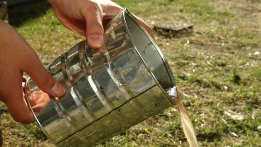 Prevenir el dengue: salen por los barrios a retirar cacharros de patios