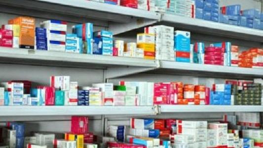 Hasta abril no podrán instalarse nuevas farmacias en el centro