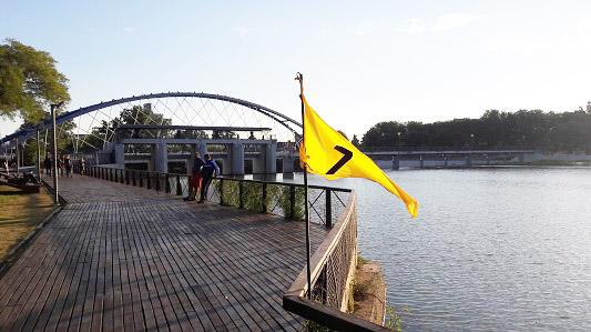 ¿Sabés que significan las banderas de colores en la Costanera?
