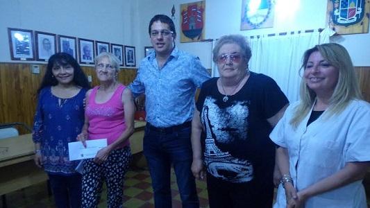 Villa Nueva: Entregaron 7 pensiones no contributivas a vecinos