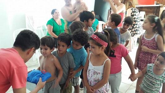 Nochebuena solidaria: juntan alimentos y juguetes para comedores