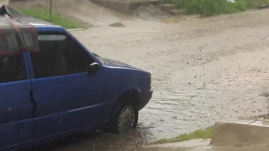 Intensa lluvia con granizo sobre Villa María y zona