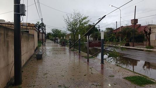 postes-caidos-tio-pujio-tormenta