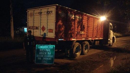 camion-explosivos-gendarmeroa