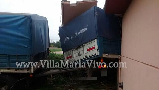camion-incrustado-conservatorio-boero-2