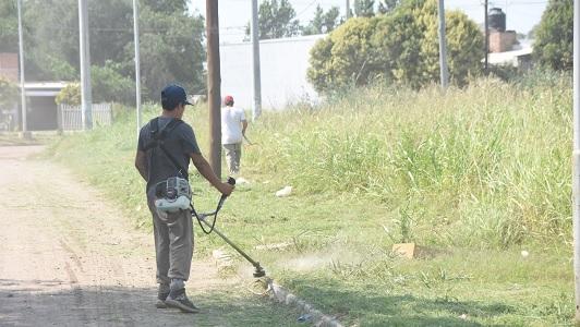 La limpieza de terrenos privados sigue en el San Juan Bautista