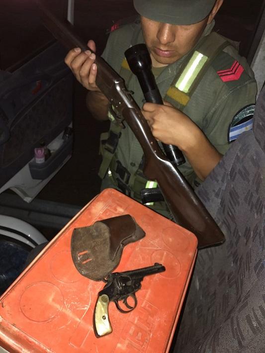 gendarmeria arma camionero