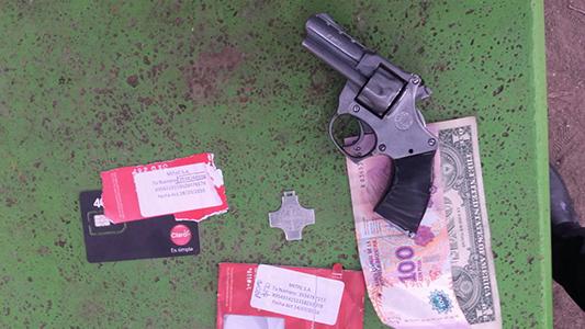 policia allanamiento arma detenidos villa nueva parque (4)