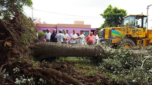 Equipo de Emergencias del gobierno provincial llega para atender daños