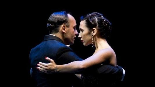 Campeones de tango salón se lucirán en una milonga local