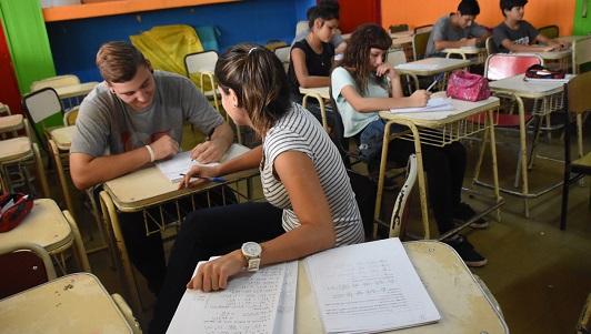 Nueva oportunidad: dónde anotarse para terminar los estudios