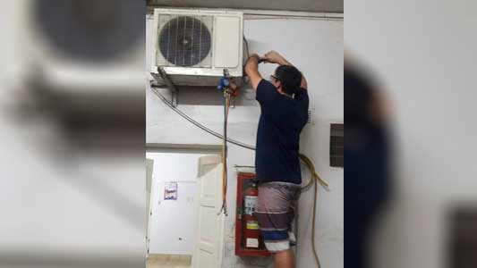 Agradecen a paciente por arreglar aire acondicionado