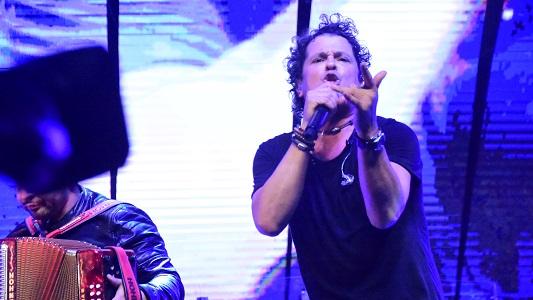 Carlos Vives trajo la alegría y la cumbia colombiana al Festival