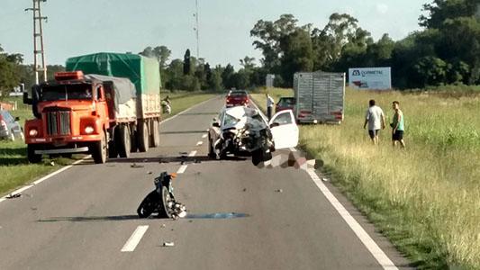 Dos jóvenes fallecidos en choque fatal frente al Aeropuerto