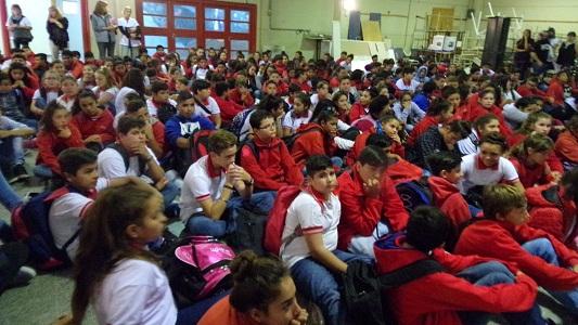 Villa Nueva: trabajan con alumnos en la contención de conflictos