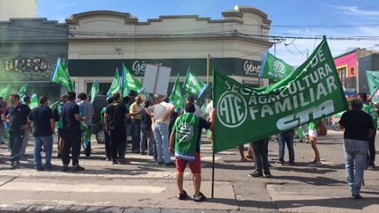 Trabajadores de ATE y UEPC manifestaron en el centro de la ciudad