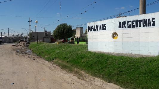 Reclaman por el mal estado del ingreso a barrio Malvinas