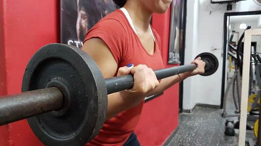 Mitos y verdades del entrenamiento con pesas en mujeres