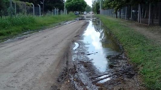 Vecinos reclaman por el mal estado de calles luego de la lluvia