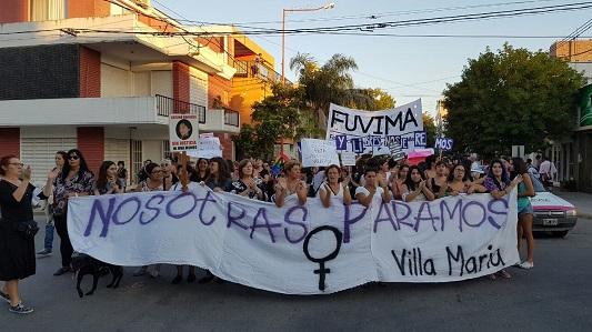Piden justicia: Mujeres de Villa María marchan por el femicidio de Lucia Pérez