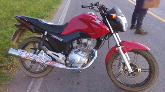 Chica de Villa Nueva con riesgo de vida por fuerte choque en moto