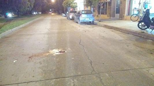 Dos choques a la misma hora: una peatona sufrió heridas graves