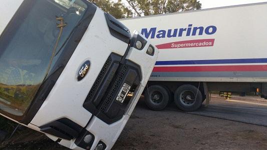 Cómo quedaron los camiones que chocaron en ruta 11