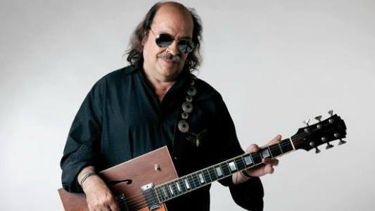 Litto Nebbia llega a la ciudad con su concierto 50 años de Rock