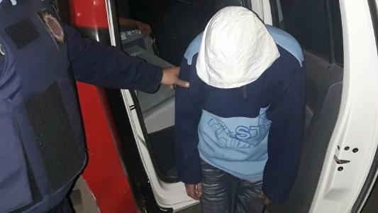 Joven sufrió un violento robo y detuvieron a tres menores por hurto