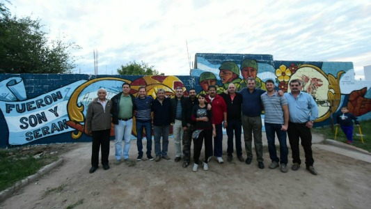 Mural y marcas de memoria por los Ex combatientes de la ciudad