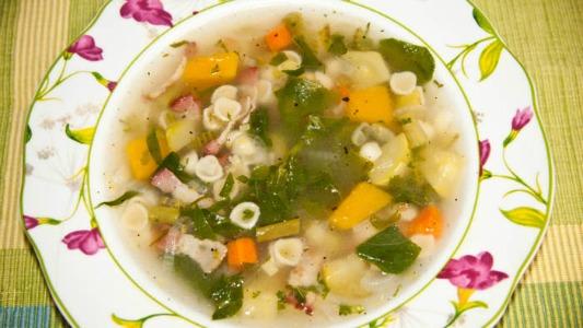 Cómo se hace una sopa de verduras en 30 minutos