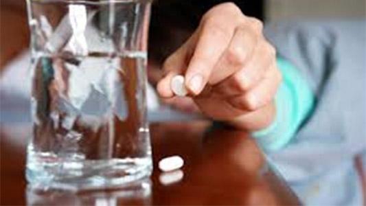 """Automedicación: Cómo """"una pastillita"""" puede ponernos en riesgo"""