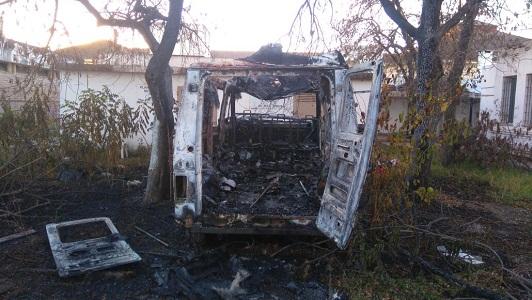 Ambulancia incendiada 03
