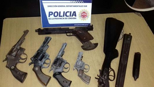 Encontraron numerosas armas de fuego en un allanamiento