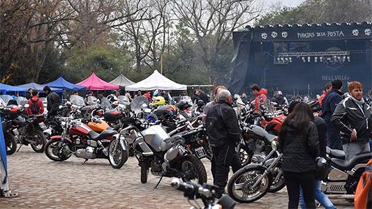 Más de 1.000 motos en el encuentro de los Piratas de Bell Ville