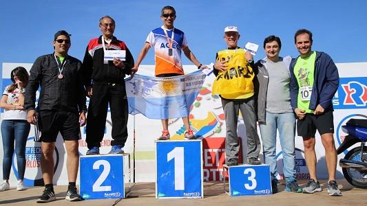 Más de 500 personas participaron de la maratón en la costanera