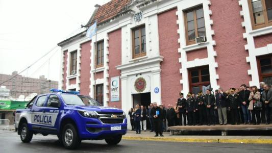 Provincia entregó móviles a los departamentos San Martín y Unión